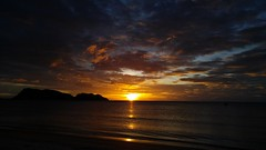 2016-07-01_10-16-17 (BertMacFly) Tags: sunrise panorama landscape sea thailand thai beach clouds sky cameraphone waves seascape vacation allaperto mare lgg4 sun