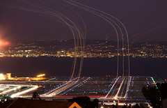 SFO 4 (exxonvaldez) Tags: night plane airport sfo trails