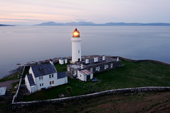 Davaar Lighthouse at night and the mountains of Arran, Kintyre (iancowe) Tags: lighthouse mountains island evening scotland dusk scottish stevenson sound arran goatfell kintyre campbeltown davaar northernlighthouseboard nlb glaoming kilbrannan lighthousetrek wbnawgbsct