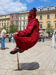 Krakow, Street Entertainer. (konstantynowicz) Tags: street magic poland krakow entertainer streetentertainer magician thegalaxy