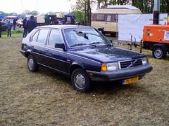 1986 Volvo 340 DL (Davydutchy) Tags: auto netherlands car volvo classiccar may oldtimer veteran friesland 2012 340 daf klassiker fryslân oldtimerdag hoornsterzwaag