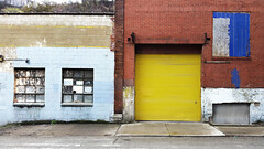 Pittsburgh South Shore Wall Wonder (real00) Tags: pittsburgh urban landscape urbanlandscape geometric wall quirky garage garagedoor yellow blue