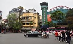 Hanoi's Old Quarter (Linas G) Tags: street asia traffic vietnam hanoi oldquarter