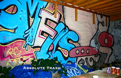 Smells / UFO (absolutetrashmag) Tags: absolutetrash absolutetrashmag absolute trash magazine zine diy graffiti nyc nycgraffiti queens smells 907 ufo ufo907