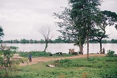 2014-10-08 14-40-43 (yoonski21) Tags: nikon asia cambodia phnompenh kh fm2   yoonskiwithfm2 yoonski  yoonskiphnompenh yoonskicambodia
