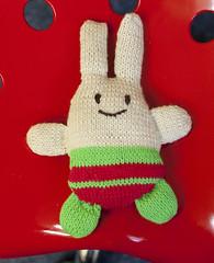 gebreid konijn2 (Marachtig) Tags: dolls crochet pop haken poppetje etui glassesholder haakwerk briletui crochetdolls