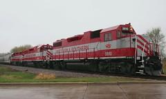 Wet Geese (Wide Cab) Tags: rain train switch local freight wsor oshkoshwi recrew l595 wisconsinsouthernrailroad oshkoshsub