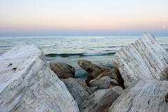 White sunset (Marco Equizi) Tags: sunset sea sky moon rocks waves dusk moonrise abruzzo adriaticsea mareadriatico flickraward colognaspiaggia bellabruzzo tamronspaf1024mmf3545diiildasphericalif