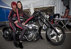 Two girls one chopper. (foto.pro) Tags: girls bike chopper pretty motor hog