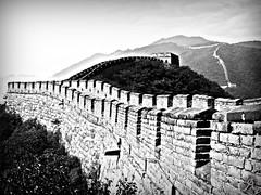 Black & White Great Wall (Alessandro.Giorgi) Tags: china bw white mountain black mountains brick heritage monument wall montagne grande blackwhite fort monumento great chinese bn historic historical infinito fortress montagna defense cina infinite cinesi storico fortezza patrimonio mattoni muraglia difesa