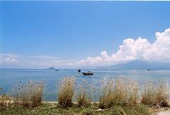 . (Khánh Hmoong) Tags: sea film beach nature analog 35mm landscape nikonfm khánhhòa kodakcolorplus200 đầmmôn