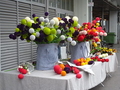 Selling flowers that aren't. Bordeaux. (Granpic) Tags: france bordeaux marketstall aquitaine flowerstalls marchdescapucins