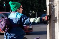 Fra maana del 5 de junio 2012 (Claudio Olivares Medina) Tags: chile santiago bicicleta otoo esperando frio ropa providencia detenido ciudadanos