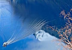 Ensoñación (Jesus_l) Tags: agua europa noruega reflejos fiordos fiordodelossueños jesusl geirangerfjordytrollstigen