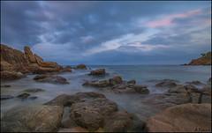 Cala Bona (antoniocamero21) Tags: color marina agua foto sony paisaje catalunya cala larga blanes roques bona exposicin