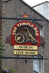 Temple Bar, Dublin 2. (piktaker) Tags: ireland dublin bar pub inn eire tavern templebar pubsign roi innsign publichouse republicofireland