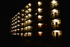 (Frappzzz) Tags: london night floors dark lights doors place darkness motel porte luci londra notte buio prospettiva scuro prospective piani nikond3000