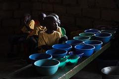 F6345 ~ Waiting for a meal... #Guin-Bissau (Teresa Teixeira) Tags: copyrightteresateixeira guinbissau mundoasorrir meal food waitingfortheirmeal children light ricewithmango teresateixeira ongmundoasorrir bissau