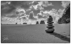 The Cairn (Frank Kehren) Tags: ocean sky bw beach clouds canon washington unitedstates pacific 24 olympicnationalpark cairn lapush f20 2ndbeach canoneos5dmarkii quillayuteneedles tse24mmf35lii canontse240mmf35lii