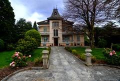 RIGORE (Lace1952) Tags: parco casa sigma villa ingresso giardino viale vco ossola nikond7000 1020f3e5 domodossoal