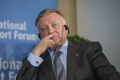 Vladimir Yakunin considers the debate