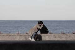 l'amico  (Ali-smile!) Tags: sea mer see hug friend mare friendship amicizia freunde amies amiche abbraccio