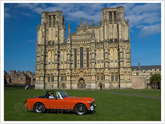 Wells Cathedral (Chojicha) Tags: church wells somerset wellscathedral mgmidget cathedralgreen worldcars 100pictures2012 mendiptour