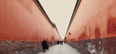 Between Red Walls (Junkgirl) Tags: china red tag3 taggedout alley tag2 tag1 path beijing lane walls forbiddencity gugong urfavsspace touched between endless palacemuseum urfavsvanishing urfavssimplicity urfavsdramatic urfavsalleys urfavs05best fivestarsgallery