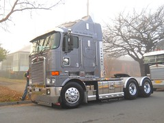 photo by secret squirrel (secret squirrel6) Tags: camera nikon transport chrome alexandra winner coolpix sliver coe kw summons kenworth cabover bigrigs 2011 aerodyne aussietrucks worldtruck k104108 secretsquirrel6truckphotos