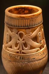 Pot (chimerasaurus) Tags: seattle kingtut egypt tut sciencecenter tutankhamun pacificsciencecenter seattlewa
