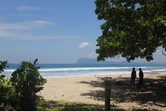 Another Javanese beach (Huub Pics) Tags: people java nationalpark pantai alaspurwo banyuwangi javatimur