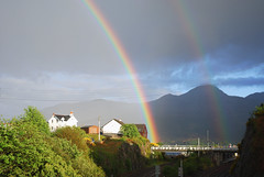 Bogha-Froise (Màrtainn) Tags: regenboog arcoiris scotland highlands rainbow alba railway escocia arcoíris arcobaleno alban szkocja escócia schottland westerross pelangi schotland ecosse regnbue lochalsh scozia sateenkaari tęcza skottland rossshire enfys regnbåge skotlanti regnbogi skotland kyleoflochalsh ortzadar arcdesantmartí duha broskos caollochaillse радуга curcubeu szivárvány escòcia skócia mavrica reinbôge веселка vikerkaar albain дъга iskoçya шотландия gökkuþaðý rawtherapee σκωτία dúha vaivorykštė boghafroise lochaillse ουράνιοτόξο gàidhealtachd reënboog rathadiarainn taobhsiarrois siorramachdrois scoţia kanevedenn boghabáistí kaoduga varavîksne arvedávgi
