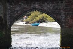 Through the arch window (SelmerOrSelnec) Tags: bridge boat arch chester riverdee