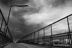 Untergang BW (Thomas TRENZ) Tags: vienna wien bridge bw storm clouds way austria blackwhite sterreich nikon wolken sw schwarzweiss tamron brcke weg sturm d600 trenz schlechtwetter iamnikon thomastrenz