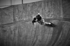 Skate (Andr Gourizan-bi) Tags: nantes homme skateparc argentque