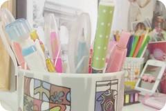 Cute pens (Antonia Sundrani) Tags: life cute tower love torre eiffel things vida stuff lovely objeto pequeno simples