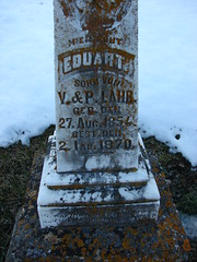 Eduart Lahr inscription (Philip Weiss) Tags: grave tombstone genealogy guttenbergiowa guttenbergcemetery