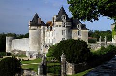 Château de la Roche Courbon (Lomyre) Tags: france castle chateau charentemaritime poitoucharentes rochecourbon stporchaire saintporchaire