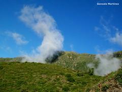 Nubes en la cuesta del Portezuelo, Catamarca (Argentina) (Gonza Martnez) Tags: paisajes verde argentina selva bosque nubes atardeceres neblina niebla montaas catamarca paisajesdeargentina paisajesdecatamarca losmejorespaisajesdelmundo