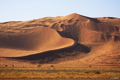 Dune (adour garonne) Tags: africa nature sand desert african dune sable natura desierto namibia naturepark afrique dsert sossusvlei deadvlei namibie naturalpark naukluft tsauchab namibnaukluft