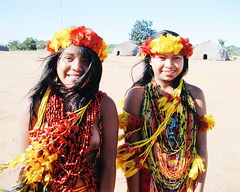 Aldeia Quatro Cachoeiras (fergprado) Tags: travel girls brazil brasil culture meninas cultura tribo indigenous aldeia garotas ndio indigena