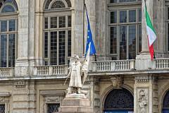 Turin 10 (mpetr1960) Tags: city italy monument europe cityscape flag eu turin milanesi