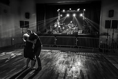 Save the last dance for me (christophe.frossard) Tags: leica blackandwhite france blancoynegro dark dance concert couple alone shadows dancing noiretblanc stage 28mm blues fullframe uncropped summilux woodfloor schwarzweis fullframesensor mirrorless saintprix leicaq salledesftes nonrecadre christophefrossard mattanga