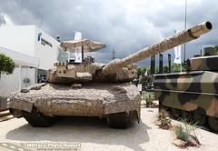 Char Leopard 2 RI sur le stand Rheinmatall (Model-Miniature / Military-Photo-Report) Tags: 2 de systems caterpillar un international leopard boxer salon bae et patria oshkosh iveco dfense pizarro 2016 155mm scurit kmw eurosatory nexter rheinmetall