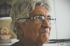 vovô <3 (Sthefany Duarte) Tags: love vovo canon grandpa t5 vovô óculos granfather foco 18mm55mm temperado canont5
