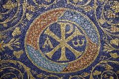 1605_Ravenna_3362 (UrBert) Tags: city art italia arte roman edificio ruin mosaics romano mausoleum architettura interni ravenna mausoleo soffitto mosaici galla placidia