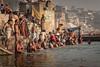 Purificación en el Ganges (Alex Bravo - alejandrobravophoto.wordpress.com) Tags: india rio river ngc varanasi ganges benares fz50 alexbravo alexbravophoto