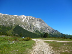 Unter dem Vettore (ullakastner) Tags: berge le marche marken sibillinische mittelitalien sibillinen