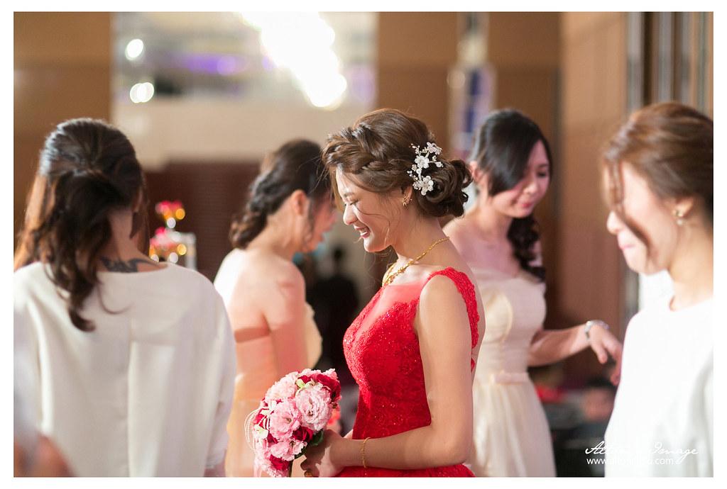 [婚攝] 晨凱 & 又茹 宴客側拍 // 高雄漢來巨蛋