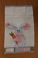Coelhinho (ceciliamezzomo) Tags: bunny easter de crazy dish handmade pano ears towel carrot patchwork coelho prato orelhas cenoura